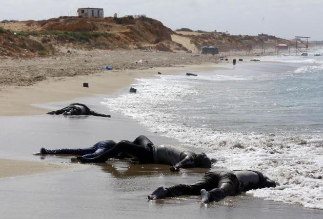 hallan-cadaveres-naufragio-inmigrantes-domingo-libia-italia_1_2133398